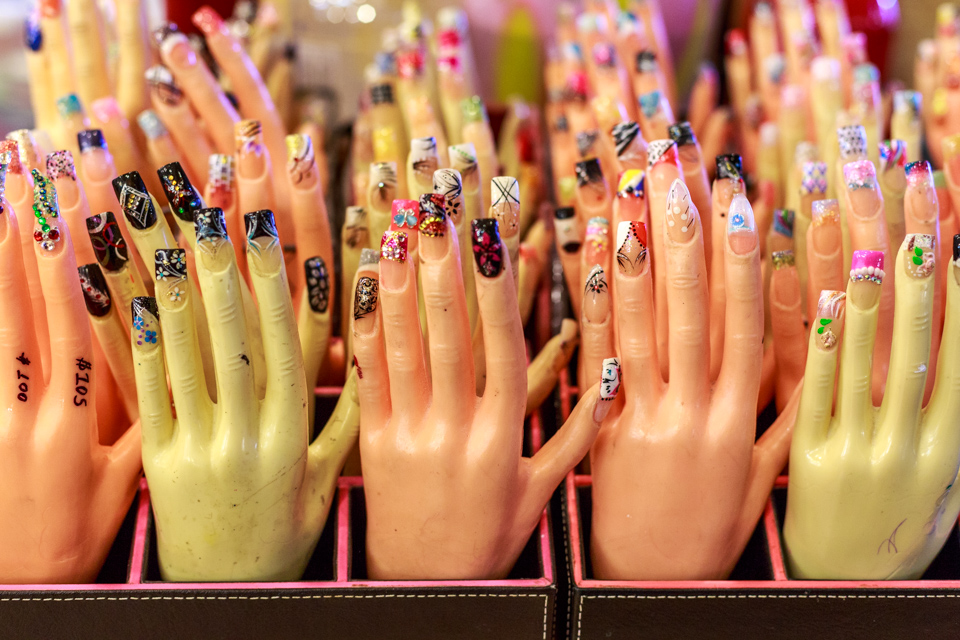 plaza-fiesta-fingernails